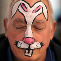 maquillage d'animaux animal lapin blanc et rose facepainting